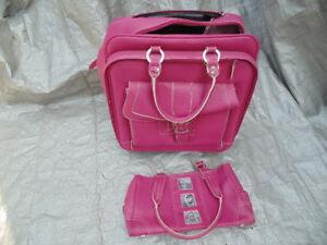 2 Wheeled Vituri Suitcase and Matching Purse