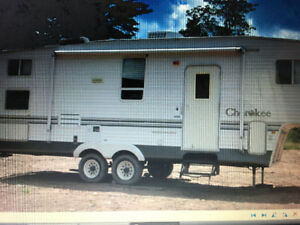 2003 CHEROKEE LIGHT FIFTH WHEEL MODEL 275 B