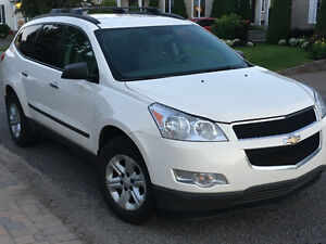 2010 Chevrolet Traverse -AWD - 8 passagers