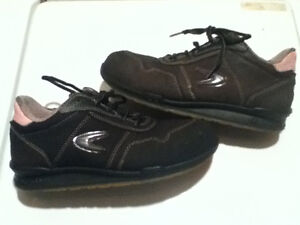 Women's Cofra Low Top Steel Toe Work Shoes Size 8 London Ontario image 1
