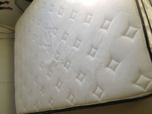 manchester organic cotton Oxford bed & foundation