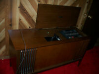 Antique record player radio $100.00 firm 519-999-3327