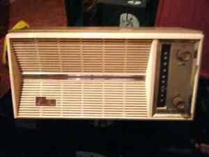 General Electric T155b tube radio.  Works perfectly.  $40