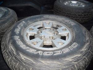 """4 -15"""" chevy canyon /colorado rims and 265/75/15 tires"""