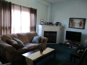House for rent 6 Thistle Lane Dundas, Hamilton, $2000/M+ Util
