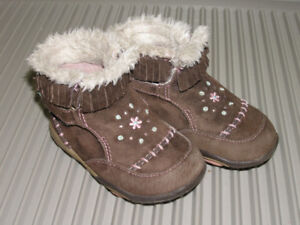 Stride Rite Girls' Boots Size 5.5W - Like New