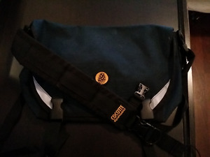 Selling Cocotte Equipment FRED compact messenger bag