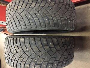 pneu hiver cloute 245/45r20 60$ pour le deux