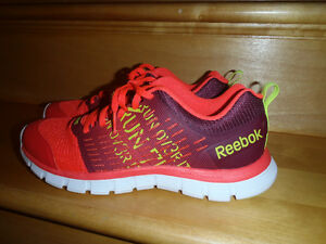 REEBOK SNEAKERS/BRAND NEW