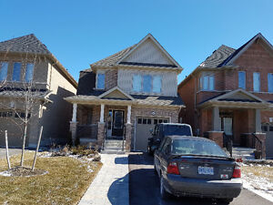 Beautiful 4 Bedroom Detached house in Oshawa for RENT