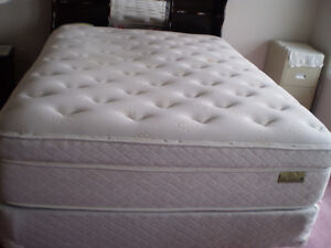 Queen size bed (Spring Air)