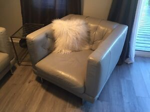 Leather Sofa and Chair for sale London Ontario image 3