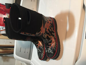 Boys Firefly winter boots size 4