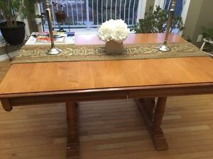 Roxton hutch and table ***REDUCED Strathcona County Edmonton Area image 2