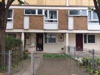Lovely 3 bedroom ground floor Maisonette plus lounge only £2200.00 dss welcome