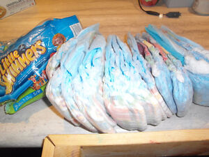 Swim disposable diapers size small