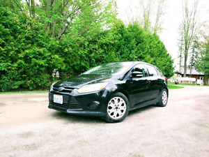2014 Ford Focus SE Hatchback + FREE OIL CHANGES