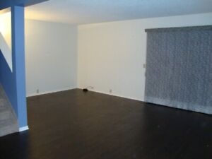 TOWN HOSE IN MEYOKUMIN MILLWOODS FOR RENT