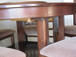 Kitchen Table With 6 Chairs Strathcona County Edmonton Area image 3