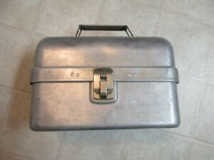 Vintage lates 1950's aluminum work lunch bucket