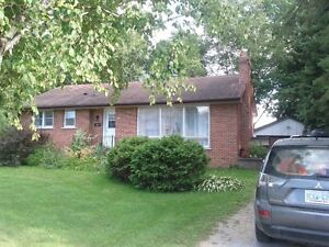 3+1 BEDROOM HOUSE FOR RENT IN NEWMARKET