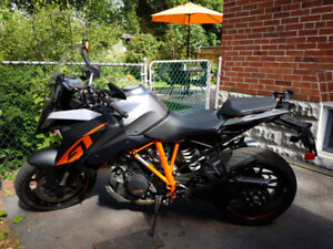 2017 KTM Super Duke GT Bought new this year 5000KM $15,000