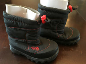 North Face Toddler Nuptse Bootie II - Youth size 5(US)/37(EU)