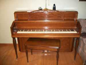 HEINTZMAN Piano, excellent shape