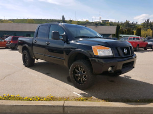 2011 Nissan Titan Pro4x loaded