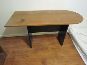 one desk to give away