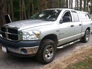 Very well maintained 2008 Dodge ram 1500 SLT4x4