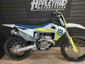 Husqvarna FC350 Motocross 2021 Model