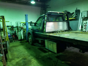 towing plate forme jerrdan Ford F650 2004