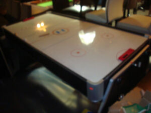Table de air hockey (tel quel)
