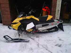 ski doo 600 rs buy or sell snowmobiles in ontario kijiji classifieds. Black Bedroom Furniture Sets. Home Design Ideas