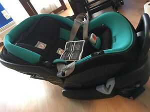 Peg-Perego Baby car seat, base included