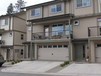gorgeous townhouse two years old 2300 sk ft armstrong bc