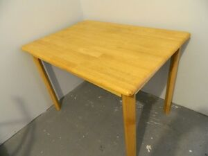SMALL KITCHEN OR DINING TABLE