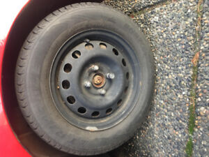 185/65R14 snow tires and steel wheels 95% new!