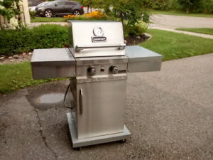 Cuisinart Small Space Natural Gas Barbeque
