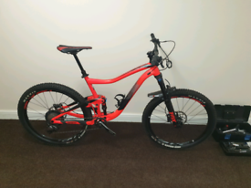 ADULT 26 INCH WHEEL MEN'S MOUNTAIN BIKE / DELIVERY AVAILABLE