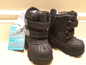 New winter boots size 6t