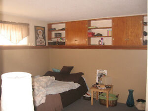 Looking for Mature Student to Rent Rooms in Orillia, Oct 1st