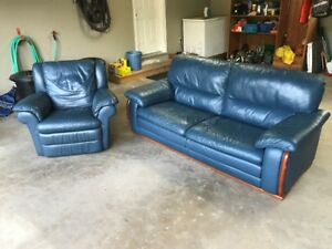 Leather Sofa/Chesterfield AND matching reclining chair