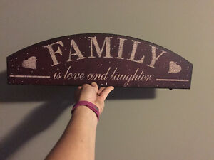 family is love and laughter sign / wall plaque Belleville Belleville Area image 3