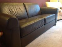 LEATHER SETTEE / SOFA BED