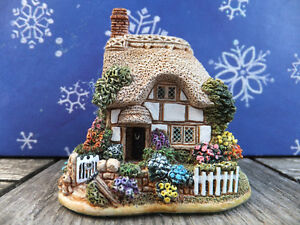 Lilliput Lane - LUCKY CHARMS