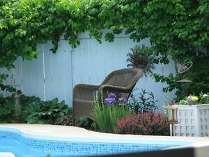 Cottage ,résidentiel ,garage,piscine creusée,Cour bien aménager