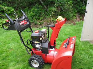 "CRAFTSMAN 1150 SERIES 27"" TWO STAGE SNOW THROWER"