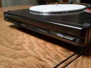 Kenwood P100 Turntable / Record player